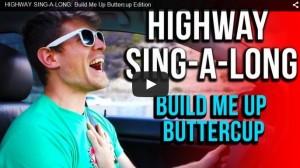 カリフォルニアのHIKAKIN TJスミスがハイウェイで歌を歌うと・・・