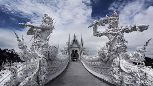 神々しすぎる! タイにある神秘の寺院