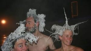 真冬のカナダで露天風呂に入ると トンデモないことに!