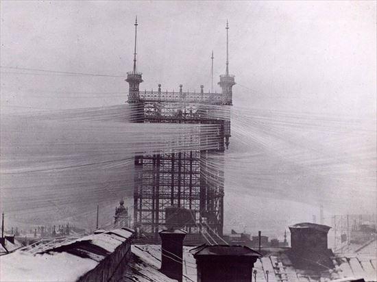 1890年 5000の電話線が集まる電話線中継局