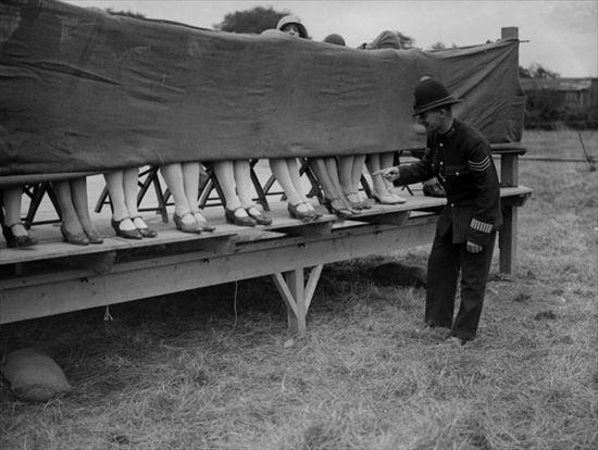1930年 足フェチのための足首美人コンテスト