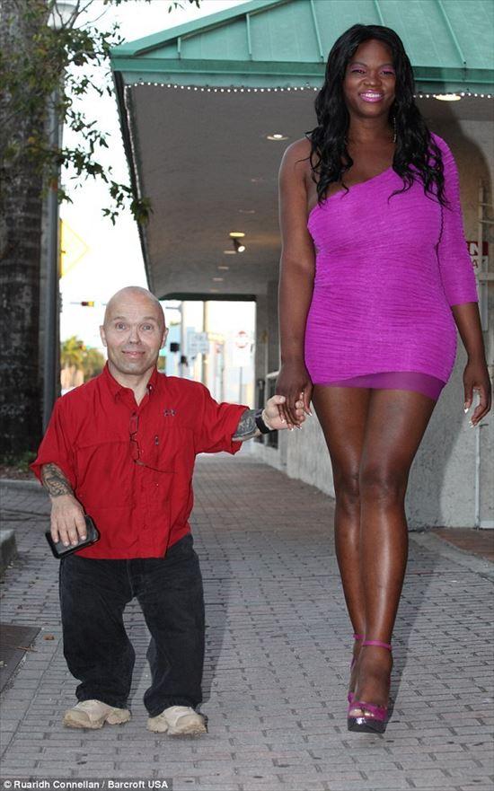 アントン・クラフトと恋人のチャイナ・ベル