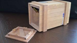レッグの木箱を再現したレプリカ
