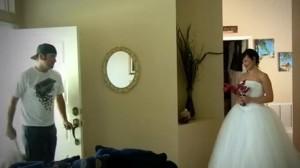 結婚記念日に妻が旦那に仕掛けたウェディングドッキリ