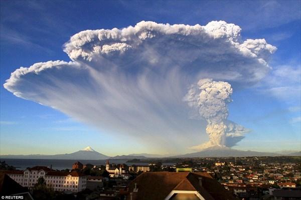 チリのカルブコ火山が噴火! まるで、世界の終りのような景色に
