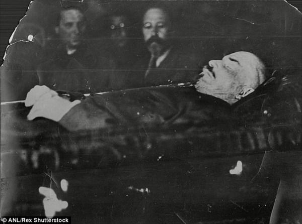 遺体が若返っている!? 死後90年経つレーニンの遺体
