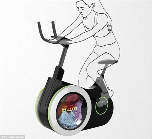 一石三鳥!? ダイエットに充電、洗濯までできるエアロバイク!