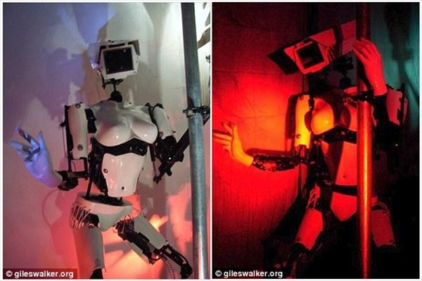 ポールダンスをするためだけに開発されたポールダンスロボット