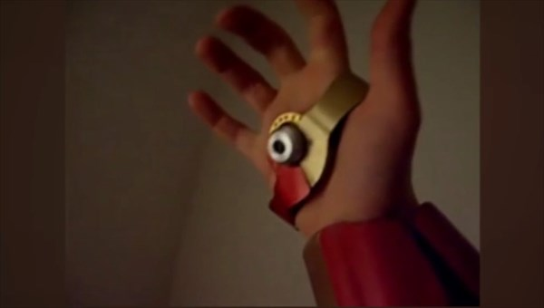 手のひらと腕から本当にレーザーが撃てる! あのアイアンマンのアームが完成!