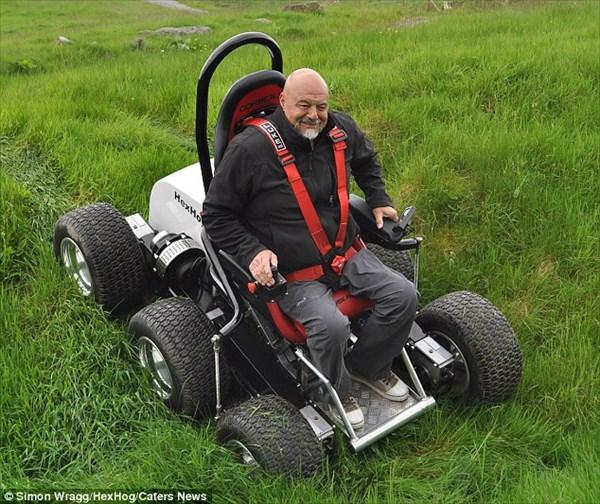どんな悪路も走行可能! 6輪駆動の電動オフロード車イスのヘックスホグ!