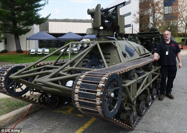 これからの戦争が変わる!? 戦車型のドローン「ドローンタンク」!!