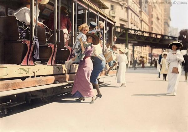 1913年、ニューヨークのブロードウェイで撮影された写真