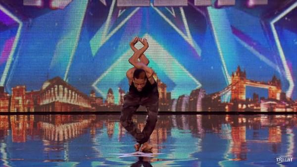関節完全無視!イギリスのオーディション番組に登場した関節カクカクダンス!!