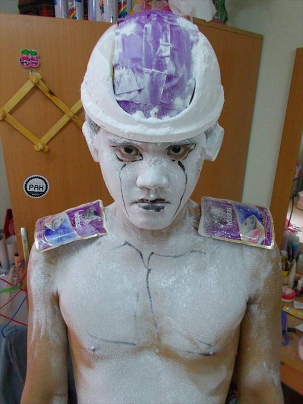 海外SNS界のスター!タイ人男性による低予算・低クォリティーコスプレ画像集
