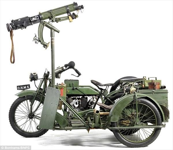 実働車!第一次世界大戦で作られた100年前の機関銃付バイクがオークションへ