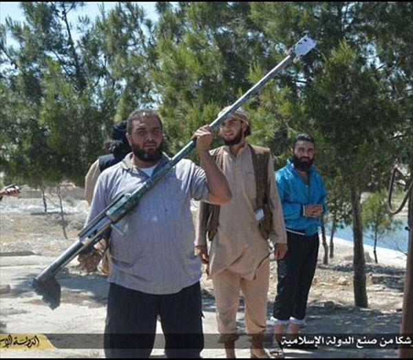 イスラム国 ショッピングカートで対物ライフル&肩が粉砕する自家製ライフル