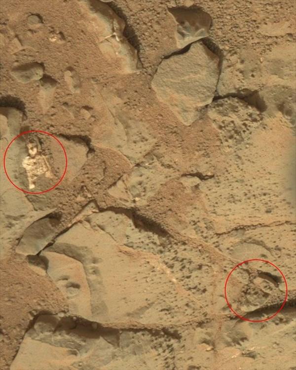 火星探査車が撮影した画像にエイリアンの骨格!? 火星に宇宙人はいたのか?