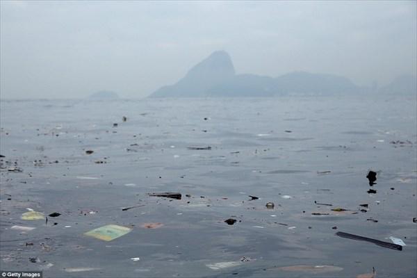 スプーン3杯分でアウト! 来年のリオ五輪の水泳競技で使われる海の汚染が深刻