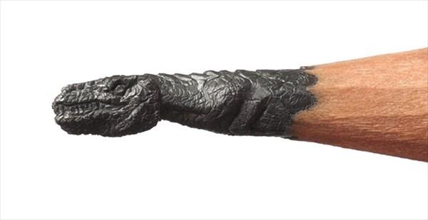 最新鉛筆アート! ロシアの芸術家が鉛筆の芯から繊細なキャラクター彫刻を彫る