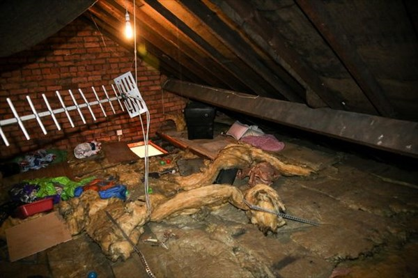 元カノの家の屋根裏に2週間以上住んでいた男! 16ヶ月の服役へ