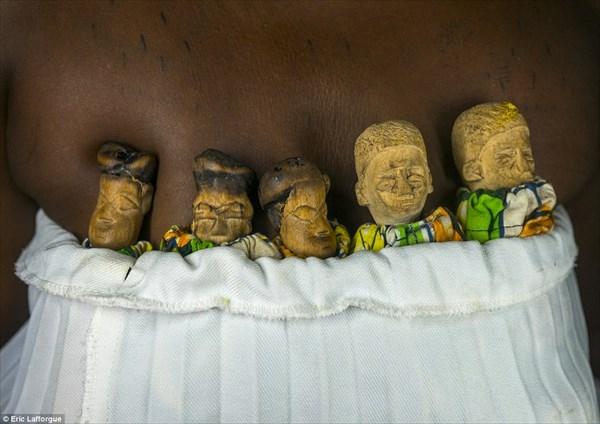 幼くして死亡した双子は人形として生きる! 知られざるブードゥー教の世界!