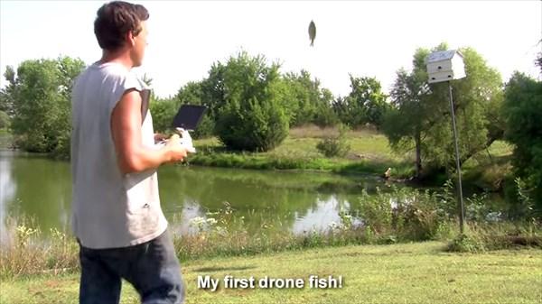 ドローンにこんな使い方が!? ドローンで魚を釣る「ドローンフィッシング」!