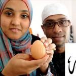 あなたには見える? イスラム教徒の夫婦が「アッラー」と書かれた卵を発見!