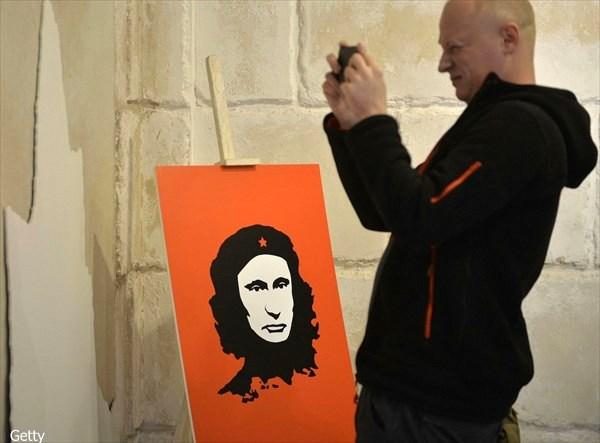 右も左もプーチン一色! ウラジーミル・プーチンを題材した作品だけの展示会!