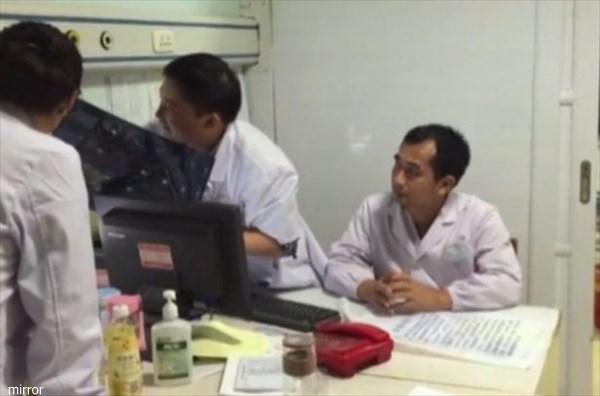 膀胱に金属製ワイヤーを入れてしまった男性 医師の質問に回答することを拒否!