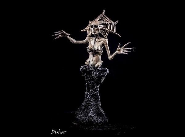 溢れるダークファンタジー感! ポーランドのアーティストによるチョイグロ彫刻