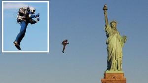 空を自由に飛べる装置ジェットパック! ついにNYの自由の女神像を観光!