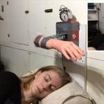 ビンタで目覚める朝! スウェーデンの女性発明家が制作した「ビンタ目覚まし」