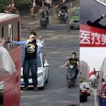 中国にスーパーマンが現れる! 先月には宙に浮く新郎新婦も出現!