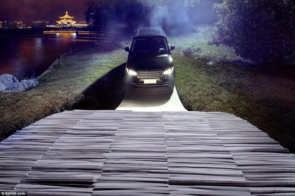 総枚数5万5千枚! 紙を重ねただけのアーチ橋 2トン以上の自動車も走行可能