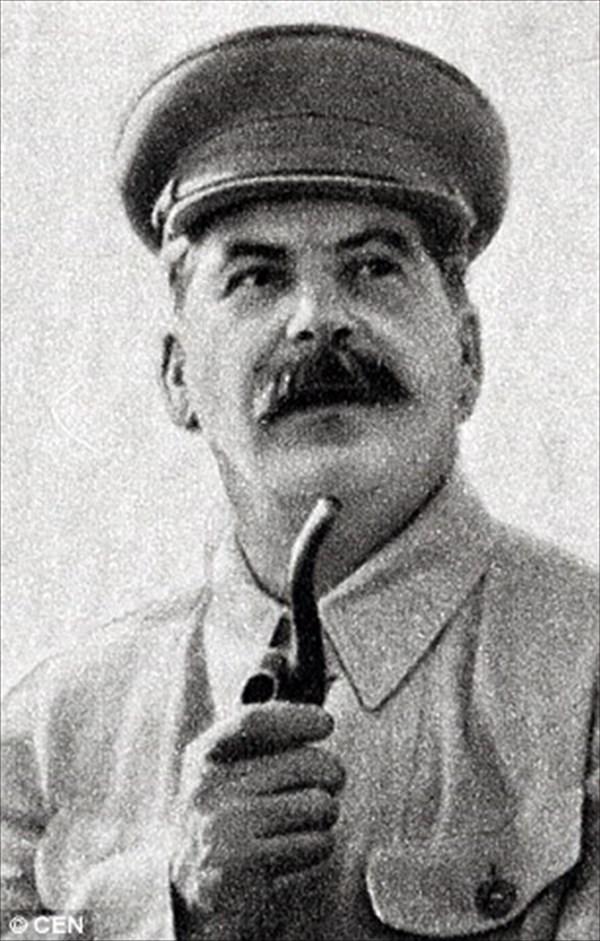 イランの反体制派に、スターリンの生まれ変わりがいるとロシアで話題に!