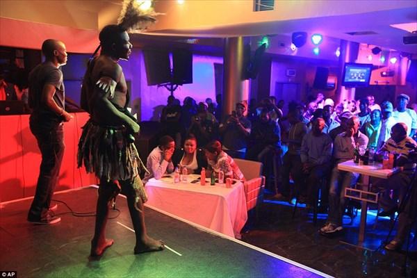 ジンバブエでおこなわれた「醜い男コンテスト」 優勝者のインパクトが半端ない