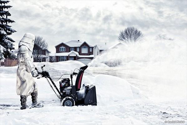 除雪するストームトルーパー