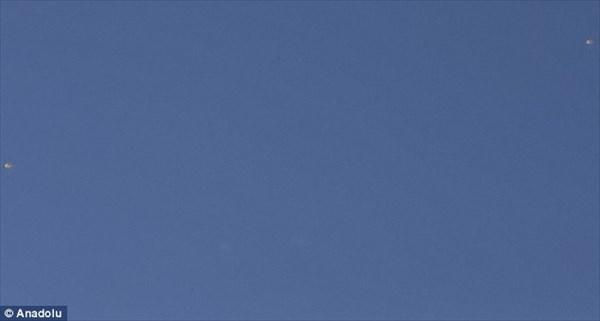 トルコがロシアの爆撃機を撃墜! パイロットは脱出するも反政府軍に捕縛か?