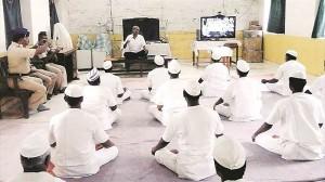 ヨガの達人になれば刑期短縮! インドの刑務所でヨガ更生プログラム導入!