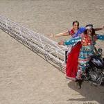インドの変人発明家が製作した世界最長のバイク 26.29mでギネス認定!