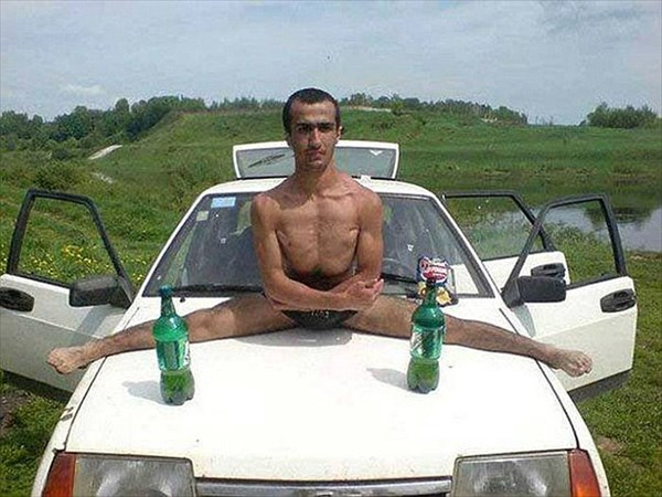 ロシアの出会い系サイトから集められたプロフィール写真が奇妙すぎる!