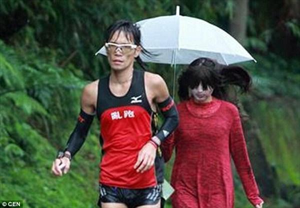 ランナーの記録向上に効果あり? 台湾で開催されたマラソン大会に幽霊を採用!