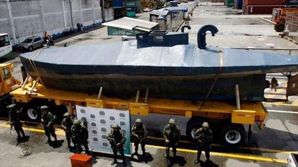 3トンものコカインを輸送しようとしていた、手作りの「DIY潜水艦」を捕獲