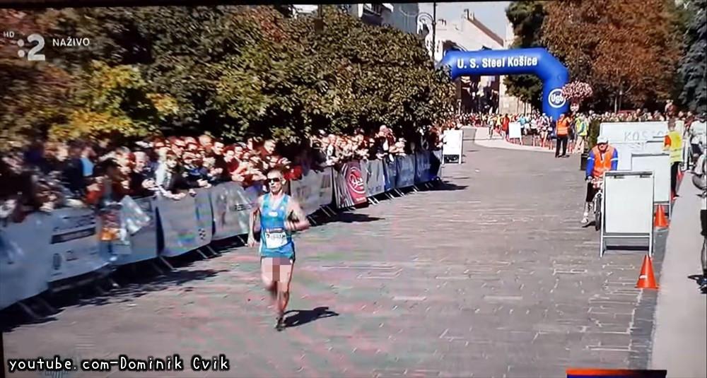 フルマラソン出場選手、ポロリした状態で完走してしまう。でも自己最高記録